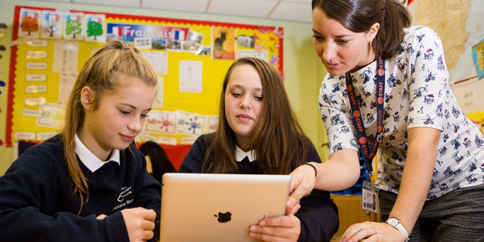 How Churchill Community College supported staff and improved learning during their 1:1 iPad scheme
